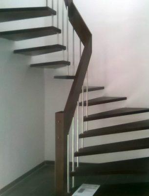 Handlauftragende Treppe ohne Wandwange