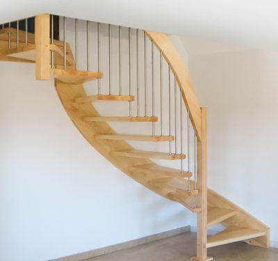 Handlauftragende Treppe